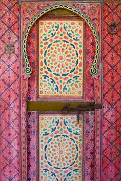 Pink patterned door, Marrakech