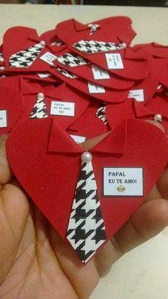 Resultado de imagem para dia do pai murais - Kids Crafts, Diy And Crafts, Paper Crafts, Easy Crafts, Fathers Day Crafts, Valentine Day Crafts, Papa Tag, Saint Valentin Diy, Valentines Bricolage