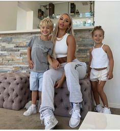 Tammy Hembrow, Mom Pictures, Cute Family, Family Goals, Stylish Maternity, Pretty Baby, Mom And Baby, Kids And Parenting, Kylie Jenner