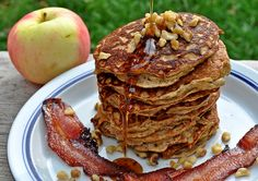 Apple Cinnamon Paleo Pancakes - for next time I have time to cook breakfast over the weekend :)