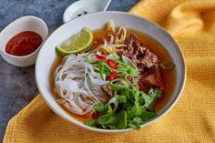 Pho, Ramen, Chili, Soup, Japanese, Meals, Cooking, Ethnic Recipes, Cook Books