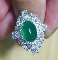 @t_k_l_jewelry. Beautiful jadeite and diamonds ring