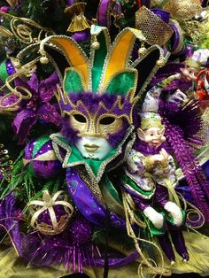 17 Best images about mardi gras Mardi Gras Carnival, Carnival Of Venice, Mardi Gras Party, Carnival Masks, Mardi Gras Centerpieces, Mardi Gras Decorations, Halloween Decorations, Mobile Mardi Gras, African American History Month