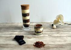 Soins & DIY // Sels de bain au lait chocolaté Candle Holders, Candles, Diy Beauté, Bio, Routine, Lifestyle, Nature, Diy Bath Salts, Homemade Bath Salts