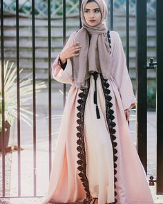 Today here we offer kimono abaya with detail look. Open style long sleeve flare abaya can wear with Mundo Fashion, Arab Fashion, Islamic Fashion, Muslim Fashion, Modest Fashion, Abaya Designs, Looks Style, Looks Cool, Abaya Chic