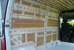 Kiri-Kampi Fourgon Aménagé discret avec meubles amovibles   Isolation, électricité et habillage