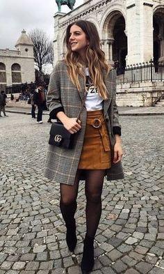 Moda it - Look Trench Coat Xadrez + Saia Suede Caramelo Fashion Fail, Work Fashion, Cute Fashion, Modest Fashion, Fashion Outfits, Fashion Ideas, Lolita Fashion, Fashion Boots, Womens Fashion