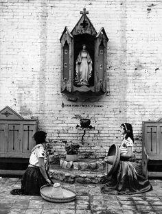 Virgen de Guadalupe, Olvera Street
