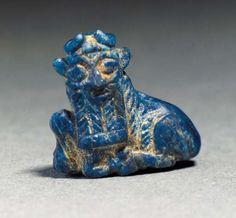A sumerian lapis lazuli amulet of a bull - early dynastic III period - 2650 ? Ancient Mesopotamia, Ancient Civilizations, Ancient Egypt, Ancient History, European History, Ancient Aliens, Ancient Greece, American History, Historical Artifacts