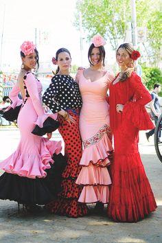 falda y blusa, combinaciones de colores con el mismo tamaño de lunar