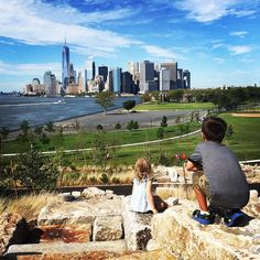 Marveling at one of the best views of NYC is from The Hills on Governors Island. @governorsisland #thehills #mackid #perpetualvacation