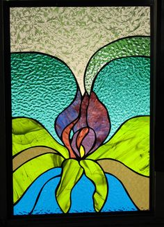 """ויטראז' 24 פרח במופשט- 40 על 70 ס""""מ. טוליפ, אורכידיאה, אירוס או פרח אחר. אפשר להתחבר ליצירה זו כל אחד בדרכו וזה כל היופי בה."""