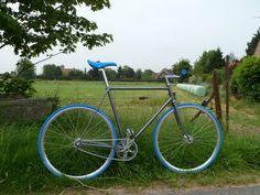 Encore un Jacques Anquetil transformé en pignon fixe sur fixie-singlespeed.com Fixed Gear, Urban Bike