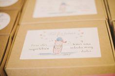 American Wedding  www.romeosyjulietas.es  Foto de Love Me Tender  www.lovemetenderphoto.com #detallesbodas #favors #packaging