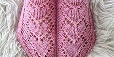 Ravelry: Maariat pattern by Niina Laitinen Knitting Socks, Free Knitting, Knitting Patterns, Crochet Patterns, Knit Socks, Knitting Ideas, Cool Socks, Pale Pink, Mittens