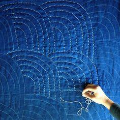 sashiko sweet home Colchas Quilting, Quilt Stitching, Free Motion Quilting, Machine Quilting, Quilting Projects, Sewing Projects, Hand Quilting Designs, Hand Stitching, Boro