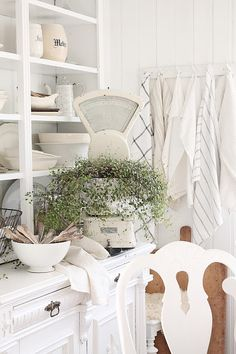 VIBEKE DESIGN: White store style!