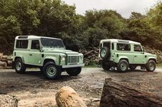 17 Photos That Will Make You Want A Land Rover Defender Heritage Edition - Airows Landrover Defender, New Defender, Land Rovers, Range Rover, Holographic Hammer, Suv 4x4, Auto Motor Sport, Jaguar Land Rover, Cars