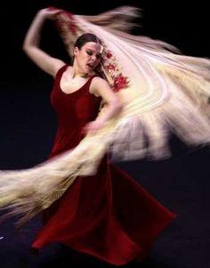 Rocio Molina, beautiful dancer, beautiful shawl