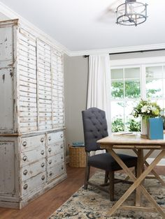 Joanna and Chip Gaines help a city-dwelling couple with visions of the country life create a dream home with a European farmhouse feel.