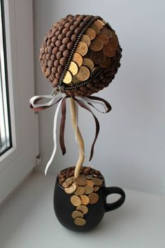 Денежный топиарий из кофе- Cash topiary made of coffee - Christmas Gifts For Teen Girls, Diy Crafts For Teen Girls, Creative Money Gifts, Sweet Trees, Barn Wood Crafts, Creative Arts And Crafts, Candle Craft, Diy Birthday Decorations, Diy Candle Holders