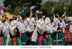folk costumes with handkerchiefs images - Căutare Google Folk Costume, Costumes, Popular, Hanukkah, Product Launch, Traditional, Handkerchiefs, Color, Google