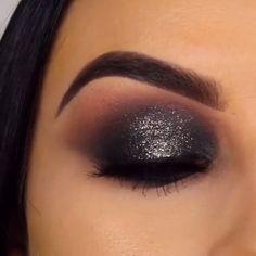 This is what we call smokey eye perfection😍 By: Make-up is a procedure that Black Eye Makeup, Dramatic Eye Makeup, Makeup Eye Looks, Eye Makeup Steps, Dramatic Eyes, Natural Eye Makeup, Black Makeup For Brown Eyes, Black Makeup Videos, Dark Smokey Eye Makeup