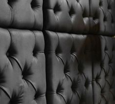 Close up Capitone wallpanel in black
