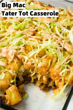 Big Mac Tater Tot Casserole is an easy dinner recipe that starts out with a base of ground beef, onions and dill pickles, all tossed in a copycat Big Mac sauce, and then topped with cheddar cheese and tater tots. dinner for 4 Big Mac Tater Tot Casserole Tater Tots, Tater Tot Casserole, Casserole Dishes, Big Mac, Queso Cheddar, Cheddar Cheese, Leftover Turkey Soup, Leftover Rice, Easy Casserole Recipes