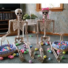 Plastic Eggs are as old as my Crazy Bonez! Halloween Skeleton Decorations, Halloween Projects, Halloween House, Halloween 2018, Halloween Crafts, Holiday Crafts, Holiday Fun, Halloween Ideas, Funny Skeleton