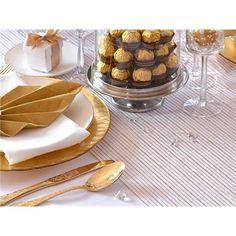 Organsa bordløper i hvit med Striper i gull - x - Til Bryllupet Panna Cotta, Breakfast, Ethnic Recipes, Food, Wedding, Morning Coffee, Valentines Day Weddings, Dulce De Leche, Essen