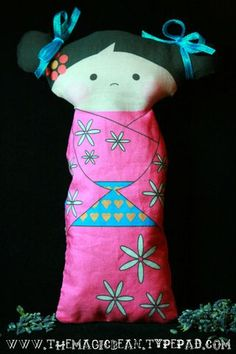 Free Two-Sided Kokeshi Panel Doll Pattern with Tutorial - The Magic Bean LOVE THIS!  Print it on printer then sew!