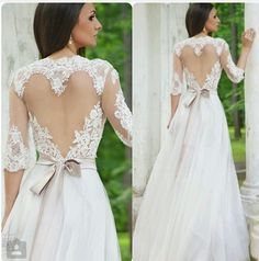 I want the back of my wedding dress to look like this ❤️