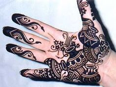 definitely my next try ....beautiful, new and different! Henna Earthen/ Terracotta pot design!! <3   #henna #tattoo