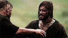 (gif) - Rollo and Ragnar hug.