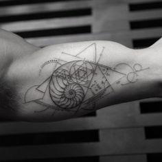 Golden Ration | Tatuajes inspirados en la Ciencia #tattoos #science