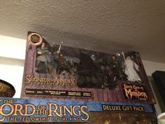 Letzte Box... Bestimmt gibt es bald auch Boxen zum Hobbit! Fellowship Of The Ring, Legolas, Hobbit, Movies, Gifts, Lord Of The Rings, Boxing, 2016 Movies, Presents