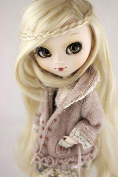 Cool hair!! Pullip doll