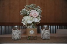 This is a nice, practical, simple flower arrangement that looks like it could be done on the cheap!  @Patty Markison Peck