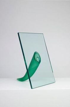 Philippe Starck - Etrangeté sous un mur. Vase sculpture pour Daum en cristal - 1988