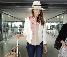 What to Wear for Traveling: 6 Celeb-Inspired Airport Outfit Ideas | YouQueen