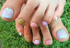 pastel and glitter pedicure