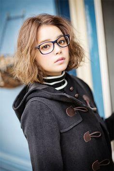 Model / Cecil Kishimoto. A black duffel coat.  Cute fashion by Image.