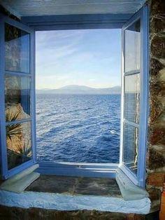 Conosco delle barche che si dimenticano di partire… hanno paura del mare a furia di invecchiare.