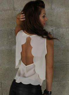 Open Back Scalloped Tank (Ivory).  oh I love the back of this top !