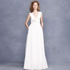 Kira gown >> Lovely! Would be nice with a small sash or broach. 995 usd