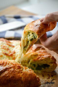 [Homemade] spinach & Cheese Stuffed Bread (my take on georgian khachapuri) http://ift.tt/2nAgH9z #TimBeta