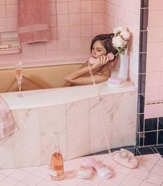 New Ideas For Fashion Photography Editorial Glamour Marie Claire Marie Claire, Pink Tub, Provence Rose, Tout Rose, I Need Vitamin Sea, Deco Rose, Vintage Bathrooms, Foto Pose, Everything Pink