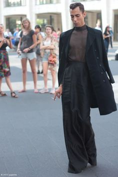 Gender neutral fashion a celebration of fabulous f - genderneutral Queer Fashion, Androgynous Fashion, High Fashion, Mens Fashion, Androgynous Girls, Androgyny, Fashion Menswear, Suit Fashion, Urban Fashion