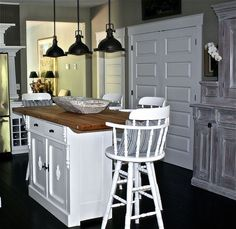 Refresh Your Dull Kitchen On A Dime With A Bright New Cabinet Extraordinary Design On A Dime Kitchen Inspiration
